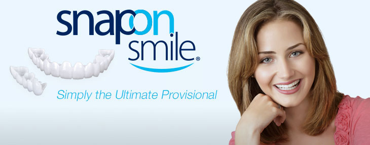 mulher sorrindo com snap on smile